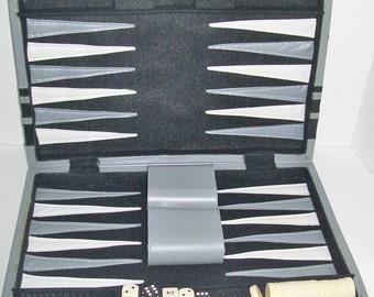 Vintage Backgammon Game Travel Kit Carrying Case Black Gray White
