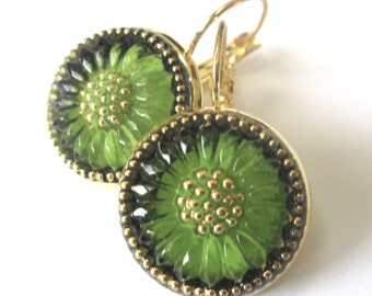 GREEN DAISY glass vintage button earrings, Czech glass buttons, gold lever backs