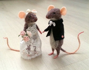 Needle felted mouse, collectible, fiber dollhouse, miniature, caketopper cake topper, mice, felt, wedding mouse,