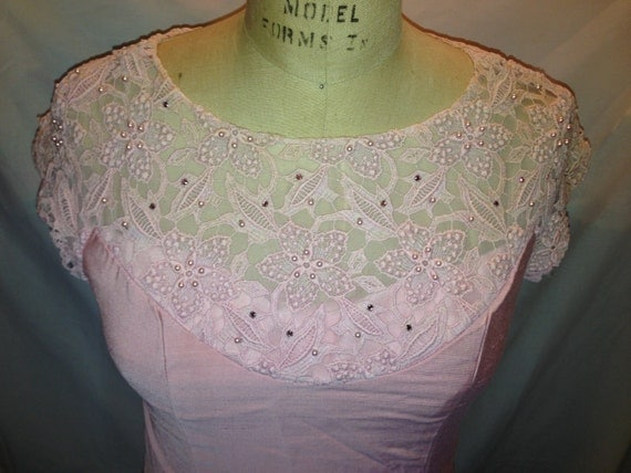 Vintage Beautiful Pink Beaded Dress d24