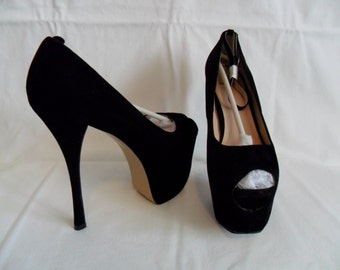Black velvet open toed platform high heel shoe size 8.5 new