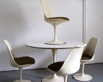 Saarinen Tulip Dining Set - Vintage Knoll