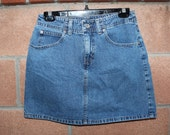 "Gap denim skirt size 6 // 29"" waist"