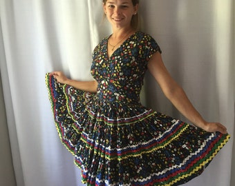 1950's Square Dance Dress 50's Full Circle Skirt Floral Dress