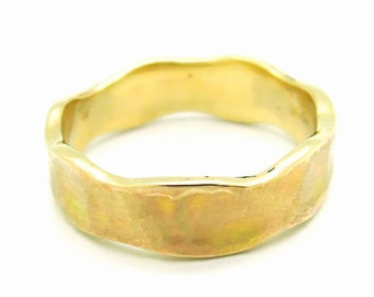 Wedding ring brushed gold wavy design