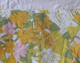 Groovy Vintage Floral Queen Size Flat Sheet Yellow Green Pink No-Iron Percale Bed Linens