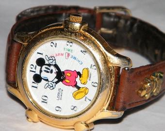 Lorus Walt Disney Mickey Mouse Musical Quartz Cartoon Character Melody Chime Alarm Watch
