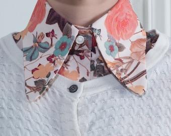 Faux-col et ses poignets imprimé fleurs style année 50