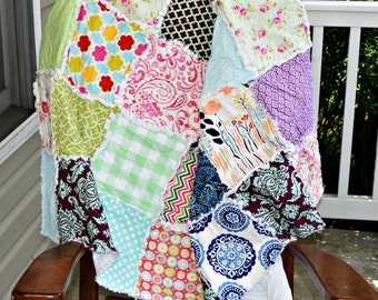 Crib rag quilt- one of a kind quilt, ready to shop quilt, unique quilt , ready to ship quilt, girl quilt