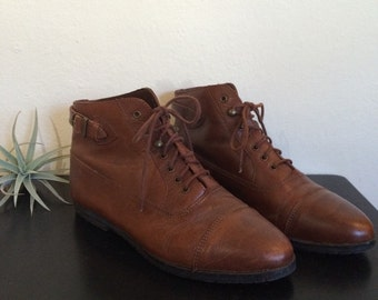 Brown leather ankle boots 9