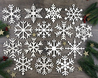 Set of 15x Christmas Wooden Snowflake Ornaments / Laser Cut Wood Decor / Christmas Gift
