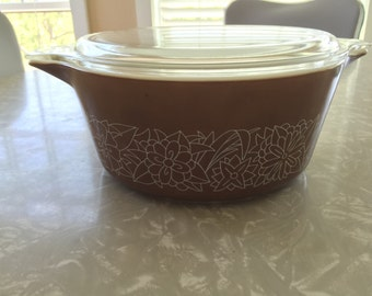 Pyrex Woodland Brown Casserole with Lid 475 B