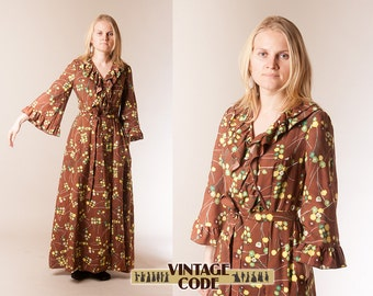 70s Lounge wear Hostess dress / Ruffled Flare sleeves Dressing gown House dress   / size Small to Medium
