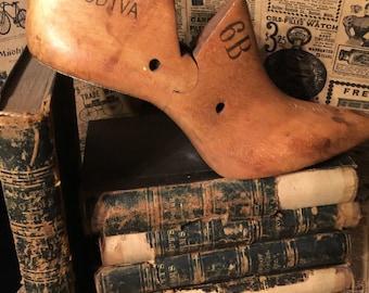 ANTIQUE GARDINER GODIVA Wooden Shoe Last Mold size 6B for High Heel