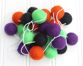 Felt Ball Garland for Halloween, Pom Pom Garland, Halloween Party Decor, Halloween Bunting, Halloween Garland, Halloween Wall Decoration