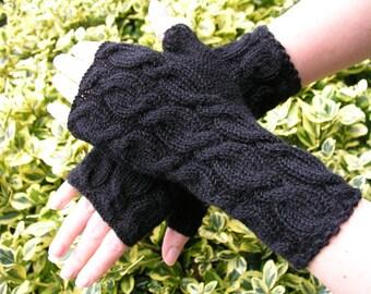 Alpaca wrist warmers black