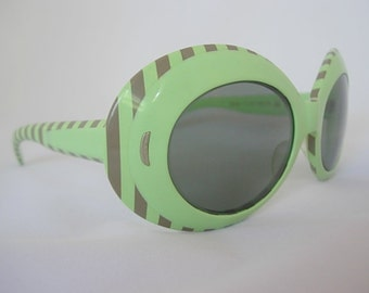 Minty Pastel Green Vintage Victory Optical Suntimer Oversized Oval Frames Lucite Plastic with Gray or Brown Stripes New Old Stock NOS 1960s