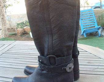 free shipping BOOTS leather  made in ITALY size 38 1/2  circa 1996 's