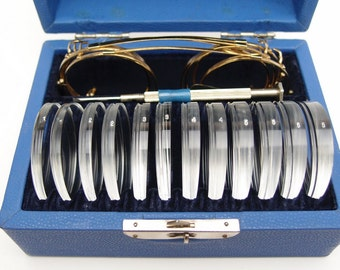 NOS Vintage Berens Clip On Plastic Prism 40mm Lens Gold Metal Frames Gulden Instrument Orthoptic Ophthalmic Set Kit Temporary Eye Correction