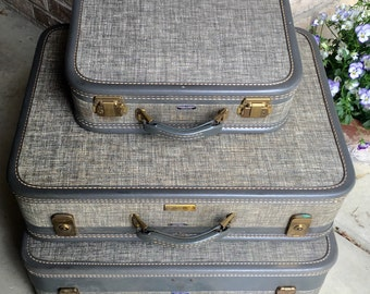 Vintage Set of 3 Hard Shell Luggage American Tourister 1950s Gray Exterior