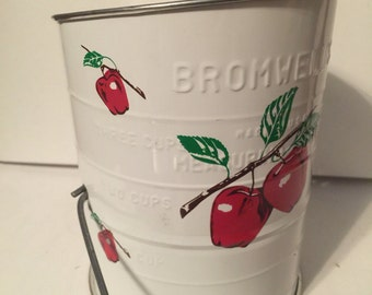 Vintage Sifter Apples Country Kitchen Baking Item Bromwell's Brand