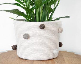 Large storage basket, coiled rope basket, indoor planter, felt ball freckles, multipurpose basket, yarn storage, natural colors and textures