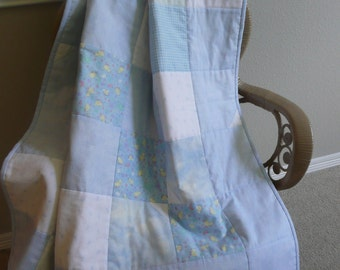 """Blue baby quilt. Baby boy quilt. Blue and white patchwork baby quilt. Boys nursery bedding. Quilted throw. 41"""" x 41"""" Baby boy comforter."""