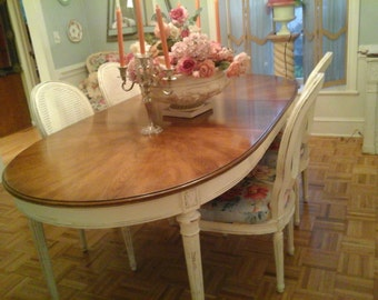 Vintage oval ShAbby chic dining room table and chairs