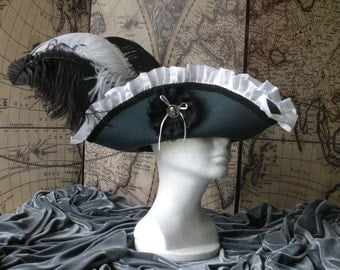 Grey Skulls Lady Pirate Tricon Hat