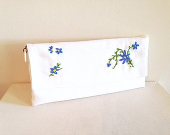 Beautiful Vintage Embroidered Mid Century Clutch Summer Wedding