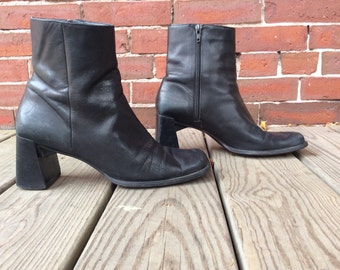 90s nine west leather booties sz 8 square toe chunky heel black boots