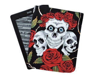 Kindle cover, in Alexander Henry skulls and roses print, Kindle cover. Kindle case