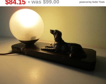 MOVING HOUSE French Art Deco Marvelous Dog - Spaniel - Retriever Lamp Light on Marble 1940s - Good Condition - Exquisite Detail