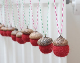 10 felted acorns ornament natural caps wool balls (0.75 - 1 in. size) white home Christmas tree hanging bauble decoration red