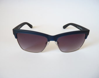Ferrè Women cateye vintage sunglasses - 1990s made in Italy blue frames Gianfranco Ferrè