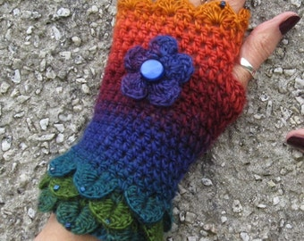 Fingerless gloves. Crochet gloves. Wristwarmers. Eyecatching and pretty. Crocheted and beaded. Own design. Lovely gift.