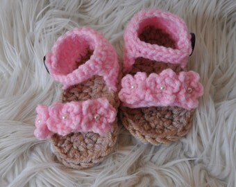 Crochet pink flower newborn/baby girls sandals