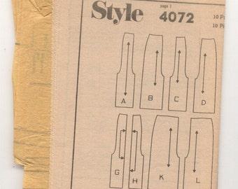 Style 4072 Ladies Skirts Vintage Sewing Pattern, Incomplete.