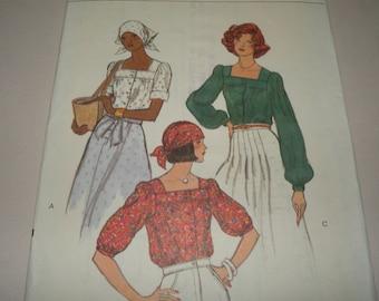 Vogue 9247, size 10 Blouse Pattern Uncut