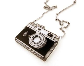 Retro Camera Shrink Plastic Necklace (transparency)