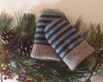 Baby mittens // Upcycled wool // recycled sweater // Toddler 1 to 2T // UK seller