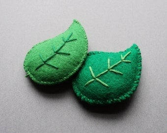 Green Leaf Catnip Toys! Hand-sewn and made with 100% Organic Catnip! Your Cat Will Love Them! Enjoy!