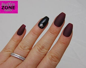 CUSTOMISED ACCENT NAIL, Hand Painted Press On False Nails, Matte Burgundy, Black with Silver Star Stud
