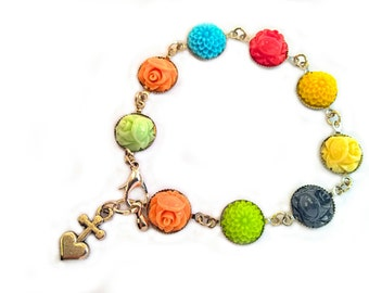 Resin flower cabochon bracelet