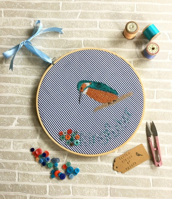 Embroidery hoop art wall hanging machine by