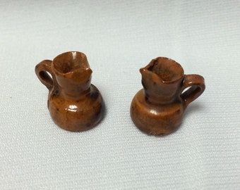 "Dollhouse Miniature Pitchers in 1"" Scale (Itz)"