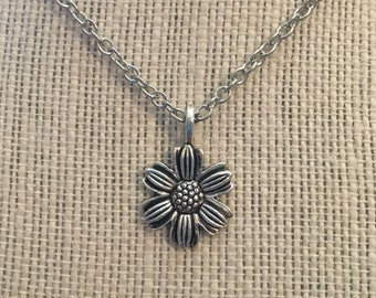 """20"""" Silver Flower Necklace"""
