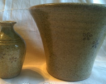SALE** Studio pottery wall pocket and small vase MM mark little flowers vintage
