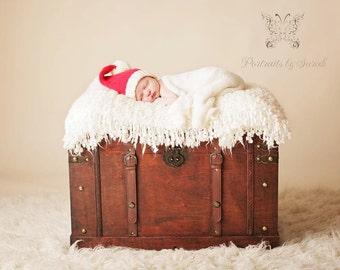 Baby Santa Hat Father Christmas hat photo prop shoot - true newborn 0-14 days - holiday gift hand knit vegan - first Christmas xmas