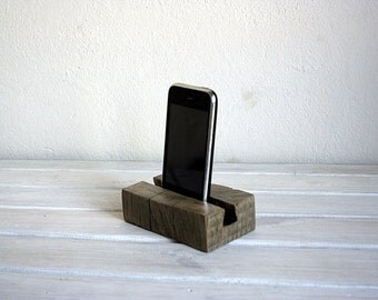Free shipping. Docking station for iPhone. SmartPhone docking station. Natural oak wood. Dock Wooden iPhone holder.